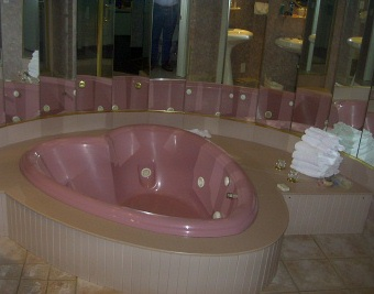 Caesars Cove Haven - Heart Shaped Jacuzzi
